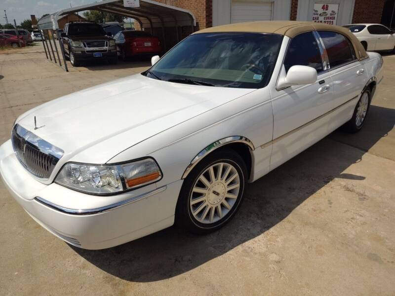 2003 Lincoln Town Car for sale at 4 B CAR CORNER in Anadarko OK
