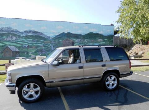 1996 Chevrolet Tahoe for sale at EAST VALDESE MOTORS / VINSON AUTO GROUP in Valdese NC