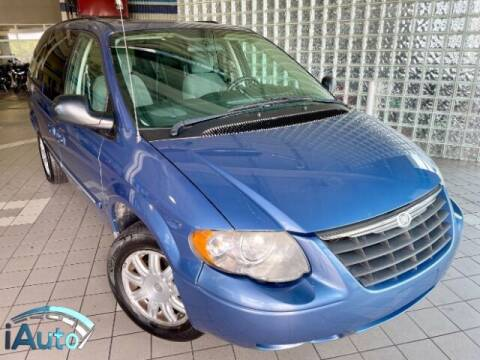 2007 Chrysler Town and Country for sale at iAuto in Cincinnati OH