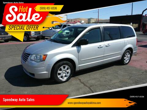 2010 Chrysler Town and Country for sale at Speedway Auto Sales in Yakima WA