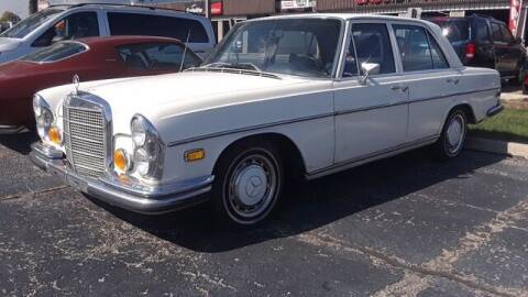 1970 Mercedes-Benz 280-Class for sale at Naperville Auto Haus Classic Cars in Naperville IL