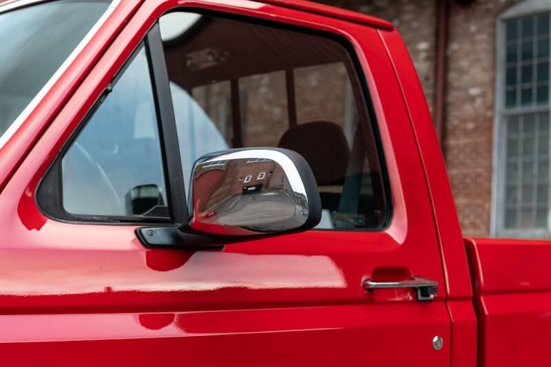 1993 Ford F-150 2dr XLT Standard Cab LB - Saint Charles MO