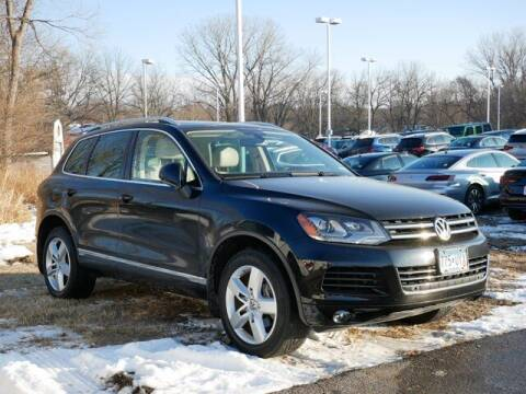 2013 Volkswagen Touareg for sale at Park Place Motor Cars in Rochester MN
