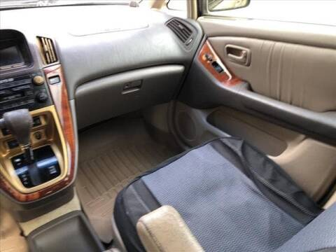 1999 Lexus RX 300 for sale at CAR MART in Union City TN