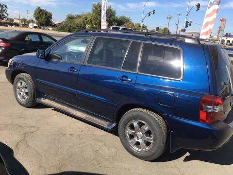 2004 Toyota Highlander for sale at CONTINENTAL AUTO EXCHANGE in Lemoore CA