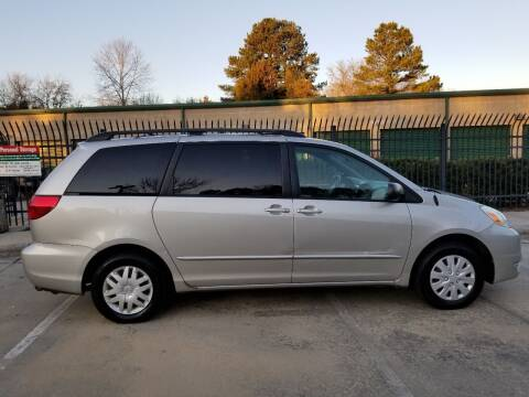 2004 Toyota Sienna for sale at Hollingsworth Auto Sales in Wake Forest NC