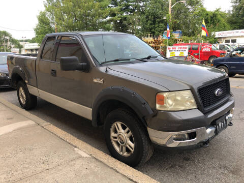 2004 Ford F-150 for sale at Deleon Mich Auto Sales in Yonkers NY