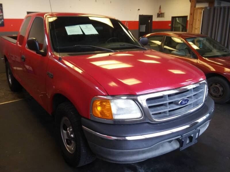 2004 Ford F-150 Heritage for sale at D & J AUTO EXCHANGE in Columbus IN