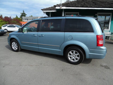 2010 Chrysler Town and Country for sale at Gary's Cars & Trucks in Port Townsend WA