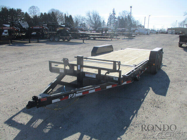 2021 PJ Trailer T6 Equipment Tilt T6J2072BTTKM for sale at Rondo Truck & Trailer in Sycamore IL