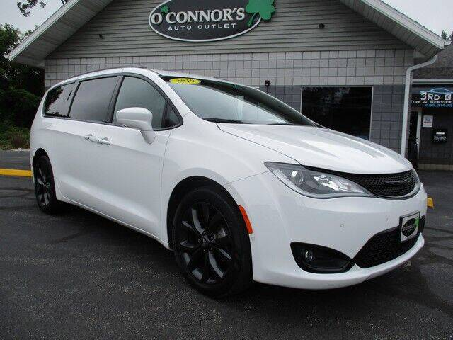 2019 Chrysler Pacifica for sale in Bay City, MI