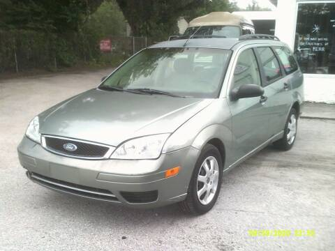 2005 Ford Focus for sale at ROYAL MOTOR SALES LLC in Dover FL