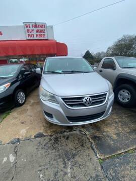 2010 Volkswagen Routan for sale at LAKE CITY AUTO SALES in Forest Park GA