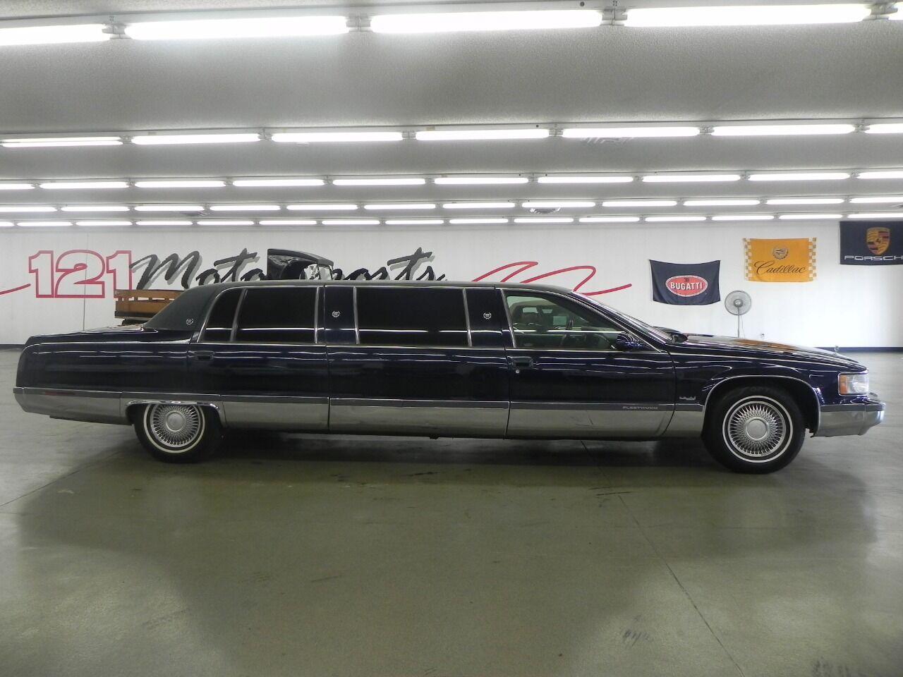 1995 Cadillac Fleetwood photo
