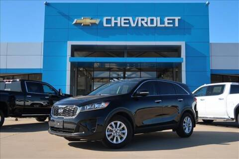 2019 Kia Sorento for sale at Lipscomb Auto Center in Bowie TX