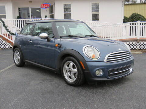 2011 MINI Cooper for sale at Colbert's Auto Outlet in Hickory NC