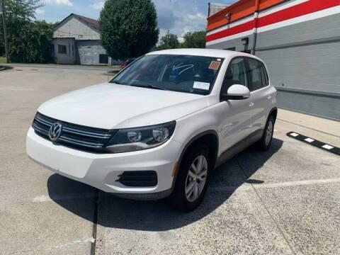 2013 Volkswagen Tiguan for sale at Diana Rico LLC in Dalton GA