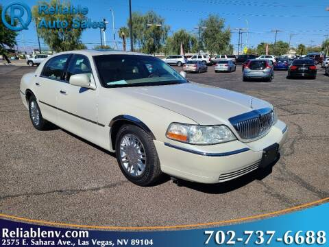 2006 Lincoln Town Car for sale at Reliable Auto Sales in Las Vegas NV