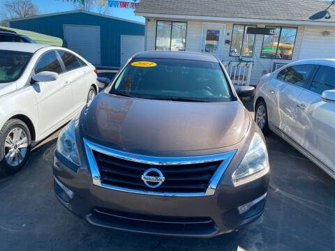 2013 Nissan Altima for sale at BEST AUTO SALES in Russellville AR