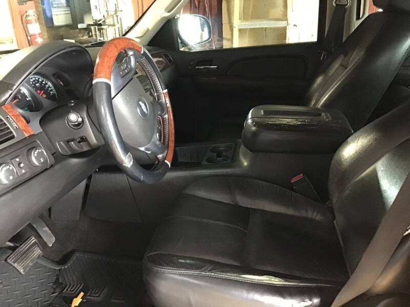 2007 Chevrolet Suburban for sale at 4 B CAR CORNER in Anadarko OK