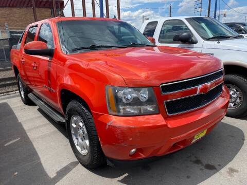 2009 Chevrolet Avalanche for sale at New Wave Auto Brokers & Sales in Denver CO