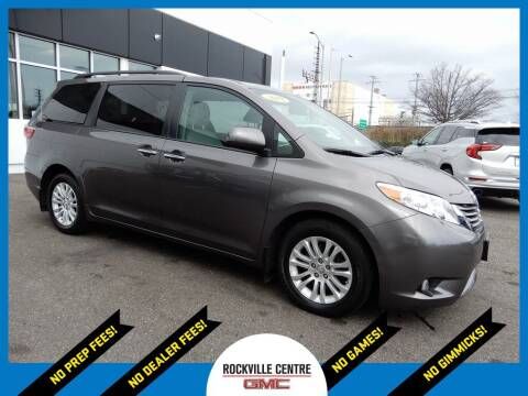 2017 Toyota Sienna for sale at Rockville Centre GMC in Rockville Centre NY