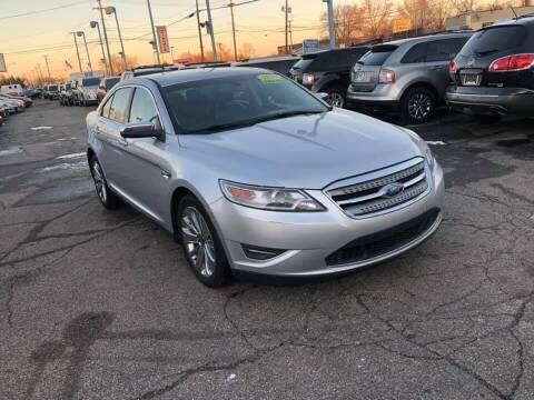 2010 Ford Taurus for sale at R&R Car Company in Mount Clemens MI