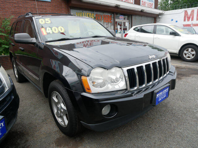 2005 Jeep Grand Cherokee for sale at MICHAEL ANTHONY AUTO SALES in Plainfield NJ