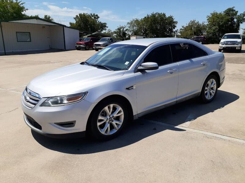 2010 Ford Taurus for sale at Yates Brothers Motor Company in Fort Worth TX
