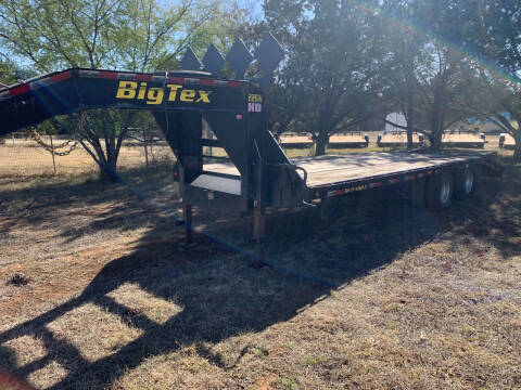 2015 Big Tex 25' Gooseneck for sale at Trophy Trailers in New Braunfels TX