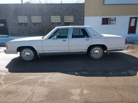 1990 Ford LTD Crown Victoria for sale at Kardells Auto in Laurel NE