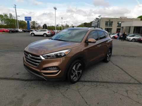2016 Hyundai Tucson for sale at Paniagua Auto Mall in Dalton GA