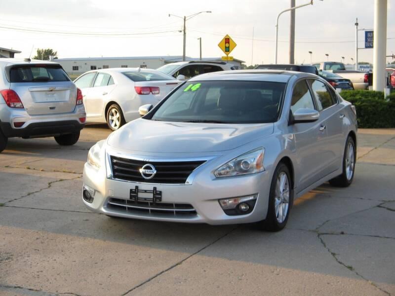 2014 Nissan Altima for sale at Rochelle Motor Sales INC in Rochelle IL
