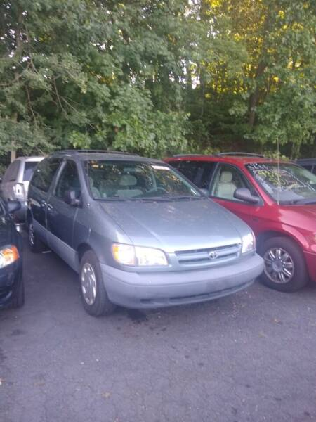 1999 Toyota Sienna for sale at Cheap Auto Rental llc in Wallingford CT