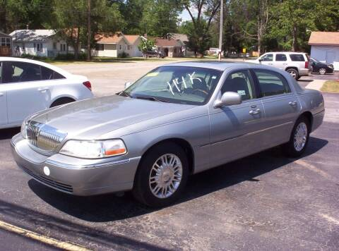 2006 Lincoln Town Car for sale at LAKESIDE MOTORS LLC in Houghton Lake MI