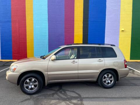 2004 Toyota Highlander for sale at JOSE MESA AUTO WHOLESALE , LLC in Portland OR