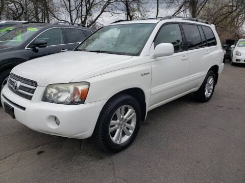 2006 Toyota Highlander Hybrid for sale at Real Deal Auto Sales in Manchester NH