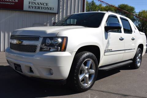 2013 Chevrolet Avalanche for sale at Dealswithwheels in Inver Grove Heights MN
