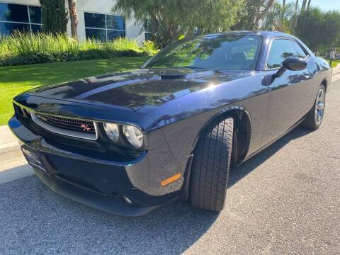 2012 Dodge Challenger for sale at Donada  Group Inc in Arleta CA