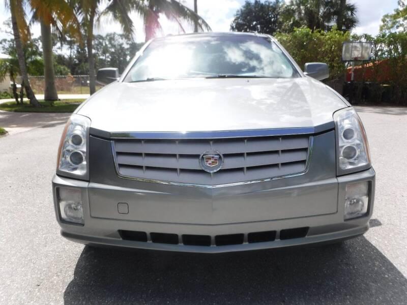 2006 Cadillac SRX for sale at Seven Mile Motors, Inc. in Naples FL