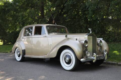 1952 Rolls-Royce Silver Dawn LHD for sale at Gullwing Motor Cars Inc in Astoria NY