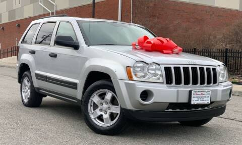 2006 Jeep Grand Cherokee for sale at Speedway Motors in Paterson NJ