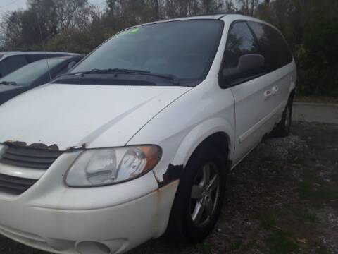 "2005 Dodge Grand Caravan for sale at MIDWESTERN AUTO SALES        ""The Used Car Center"" in Middletown OH"