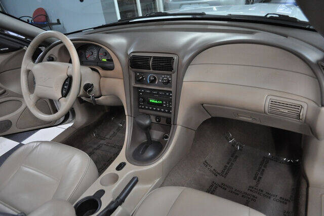 2002 Ford Mustang Deluxe 2dr Convertible - Pompano Beach FL