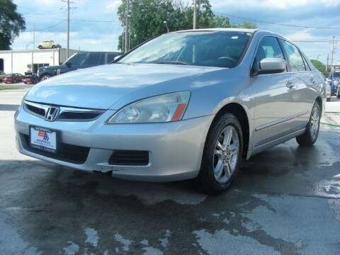 2007 Honda Accord for sale at EURO MOTORS AUTO DEALER INC in Champaign IL