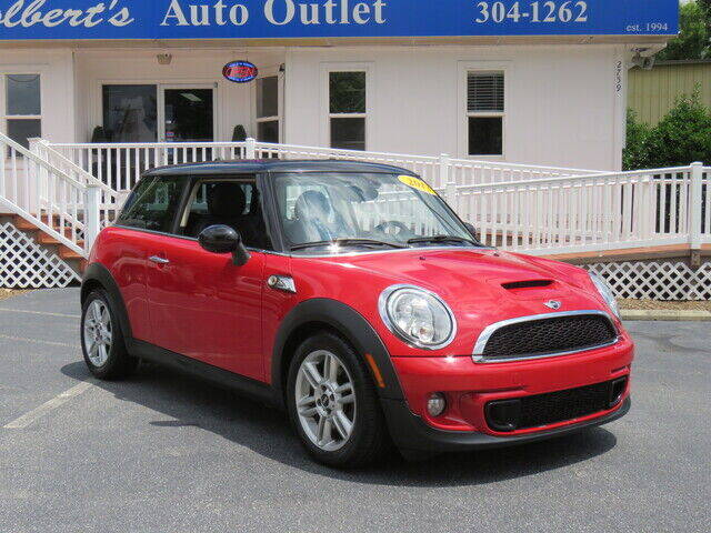 2013 MINI Hardtop for sale at Colbert's Auto Outlet in Hickory NC