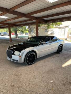 2007 Chrysler 300 for sale at Holders Auto Sales in Waco TX