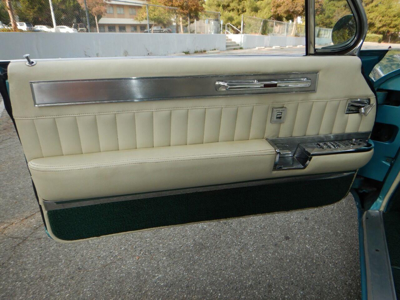 1961 Cadillac Eldorado Biarritz 51