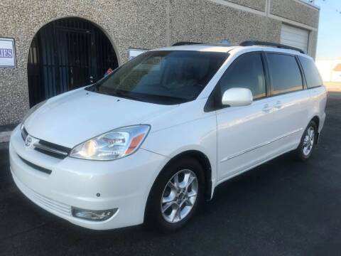 2005 Toyota Sienna for sale at Evolution Motors LLC in Dallas TX