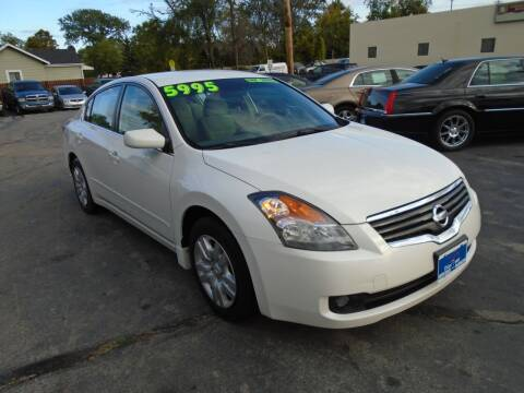 2009 Nissan Altima for sale at DISCOVER AUTO SALES in Racine WI